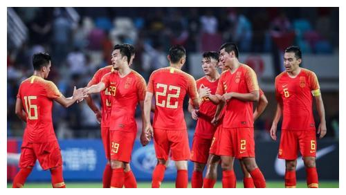 凌晨2点!中国男足传来喜讯:陈戌源做出英明决定,球迷集体点赞