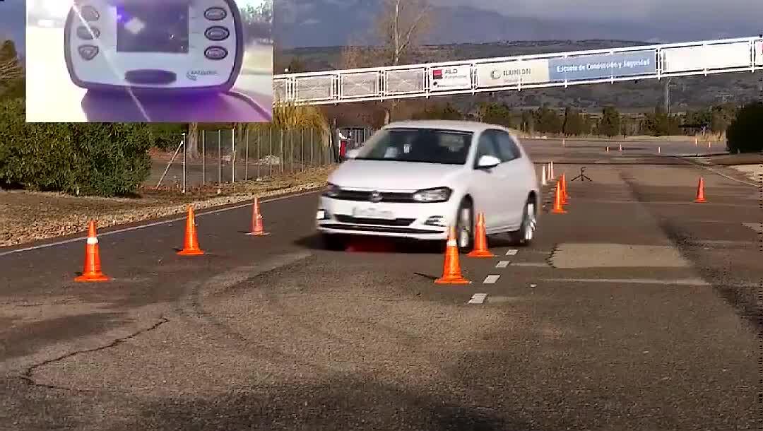 视频:看完大众POLO的麋鹿测试,福特瞬间有了底气!