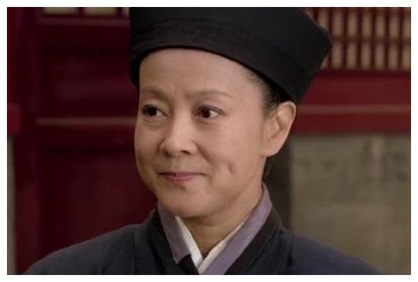 《甄嬛传》里果郡王的生母舒太妃,是怎样在后宫争斗中活下来的?