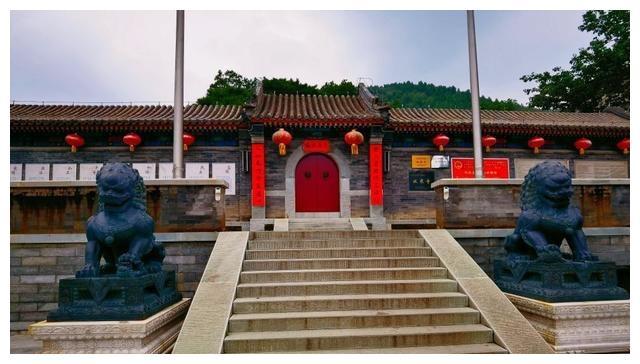北京风景,香山水库与古寺,经典的休闲徒步线路