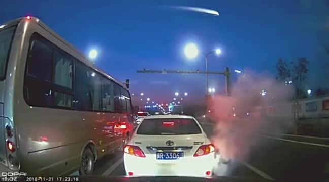 视频:腾云驾雾的卡罗拉,这是丰田新技术