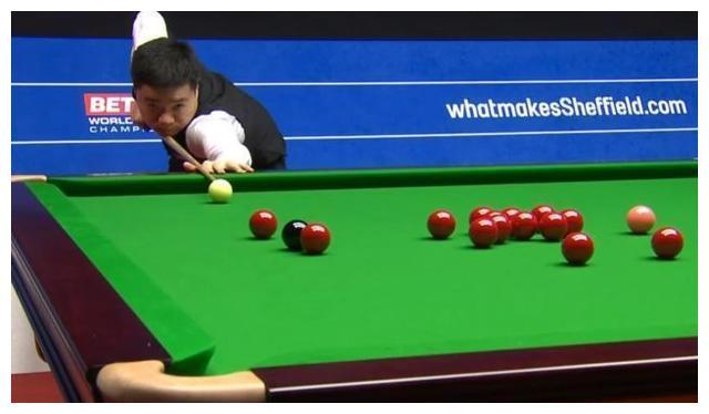 丁俊暉3-1開局!世錦賽首戰轟單桿破百,66-7領先遭對手單局逆轉