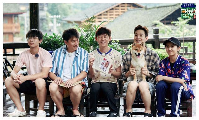 黄磊:出门去做饭,回家也做饭,网友:在云南做了啥美味?