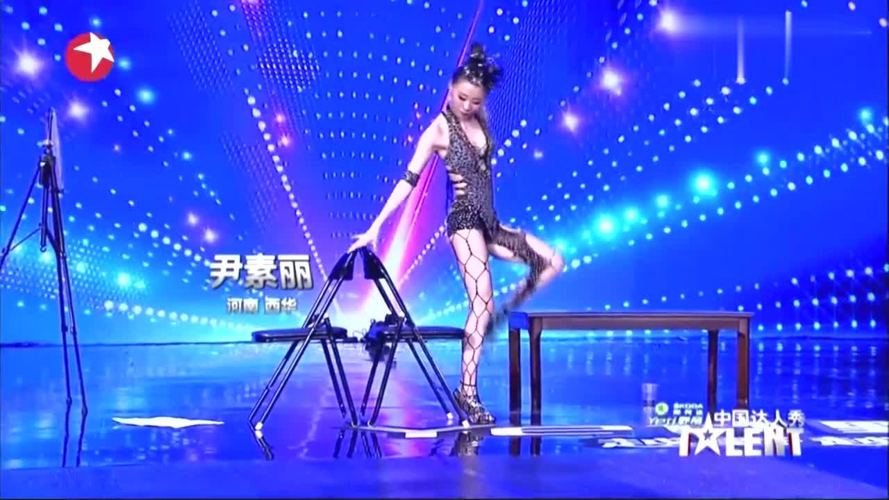 中国达人秀:杂技女孩上达人秀,表演精彩绝技,惊艳全场