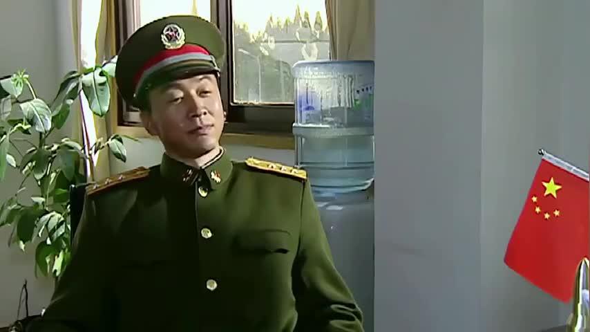 特种部队来挖兵,首长一万个不答应,看到上级命令时,只好服从