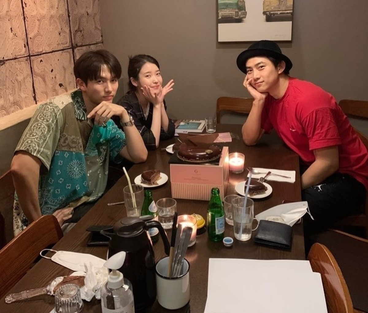 2AM任瑟雍,与IU&2PM玉泽演举行生日会 豪华成员的照片引起反响