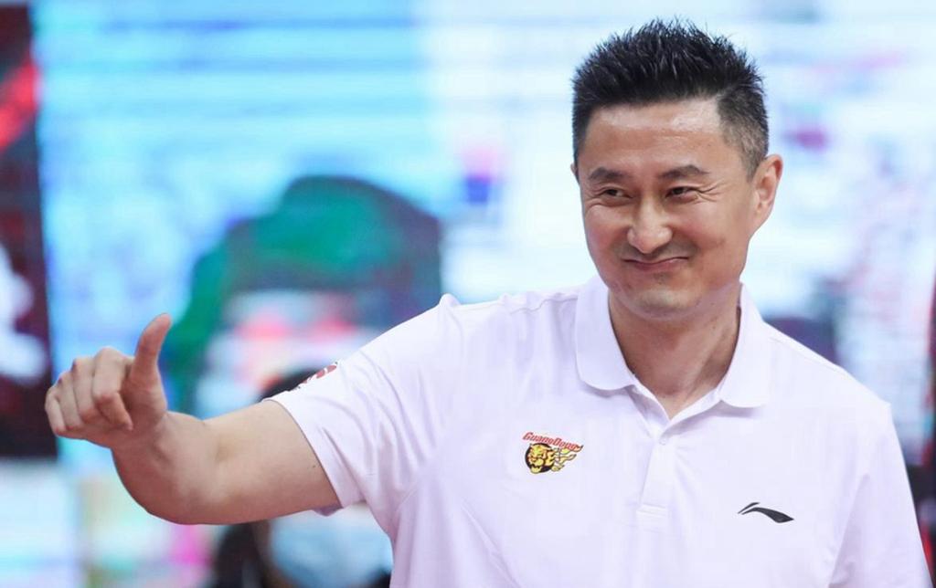 22岁天才凭实力入选中国男篮,场外姻缘获祝福