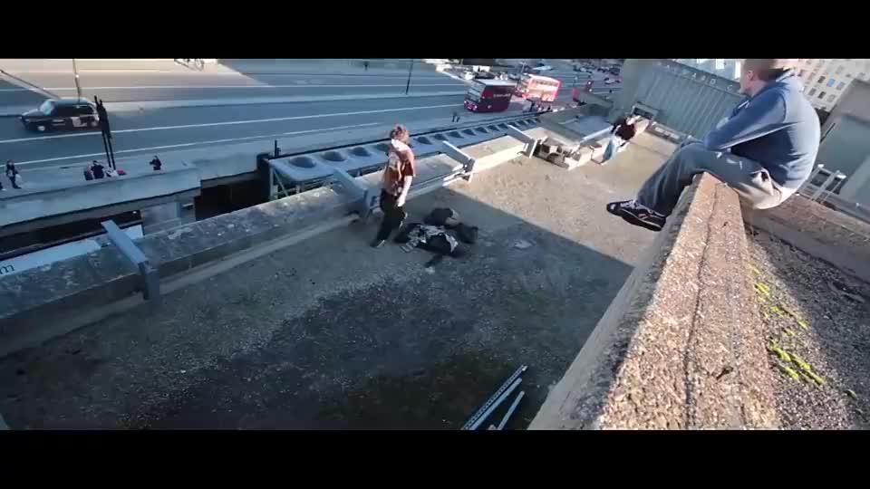 世上金刚前空翻最远的男人,英国跑酷狂魔Greg Ennis的疯狂合集
