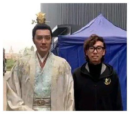 赵丽颖冯绍峰离婚后,男方造型师透露内情:两人是突然离的婚