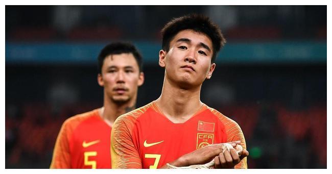 张琳芃最新伤情:腰间盘和脊椎韧带损伤!缺阵不影响国足打越南