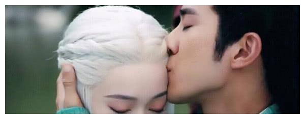 """有种""""粉底脸""""叫张雪迎,李治延吻了她一下,松开嘴的那刻我笑了"""
