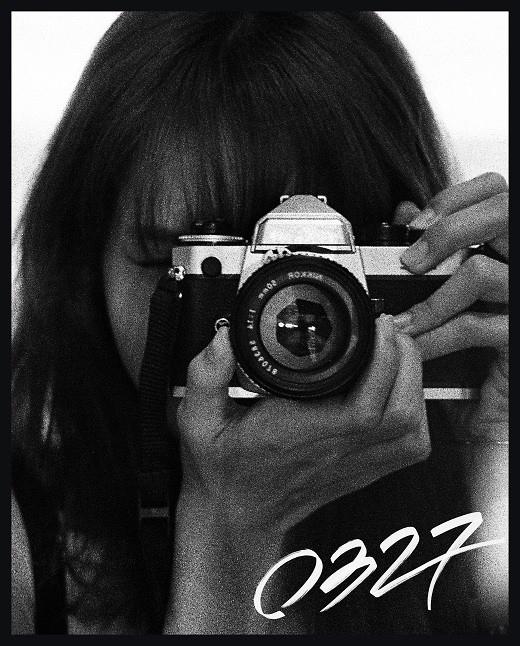 BLACKPINK Lisa自己拍摄的限定版写真集决定发售