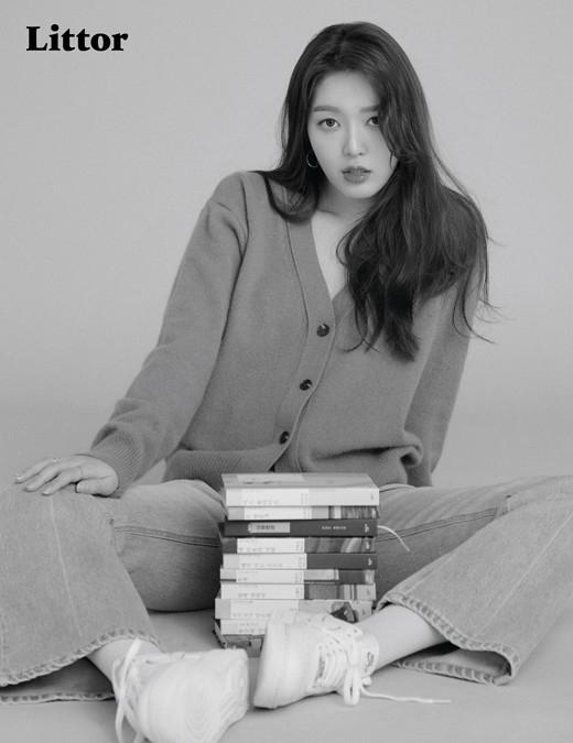AOA金澯美:喜欢读书希望生活也能发生意想不到的趣事