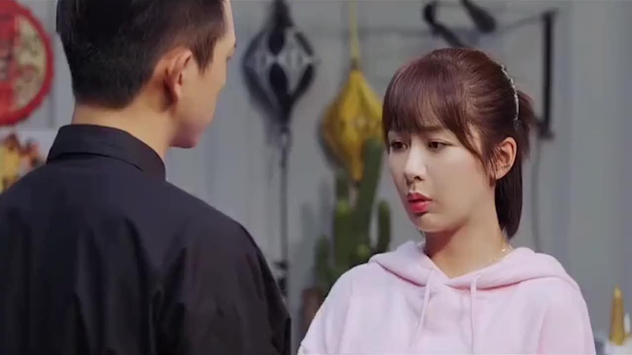 亲爱的热爱的:韩商言哄佟年开心,直接把甜品店搬回家里。
