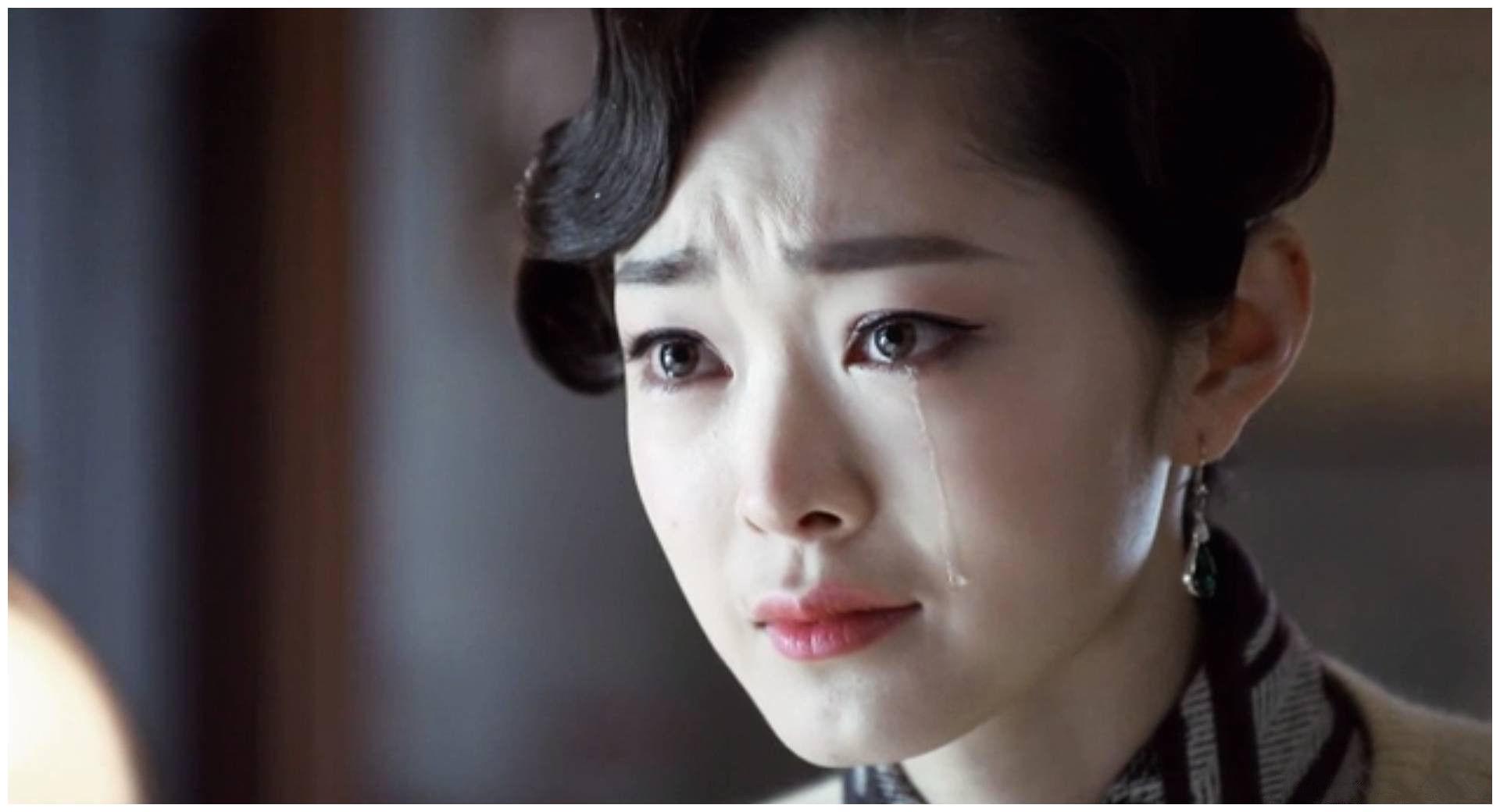 伪装者:于曼丽13岁被卖入青楼后,为何接客1年就重病难治?
