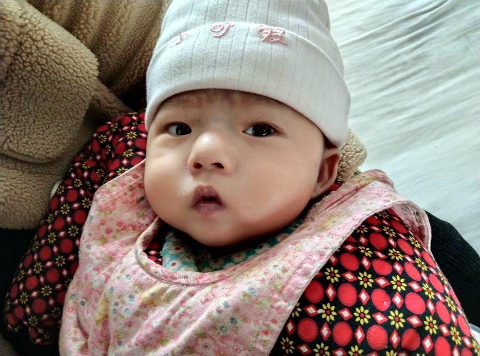 6个月大孩子一出生全身发青,父母得知原因后每日胆战心惊