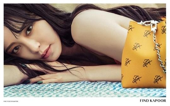 韩艺瑟公开梦幻般的写真 在异国风情背景下展现成熟魅力