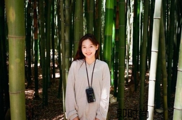 OH MY GIRL成员崔孝定公开用胶片相机拍摄的照片
