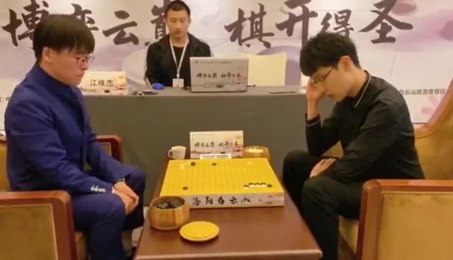棋圣战时越逆转淘汰丁浩 将与连笑争夺挑战权