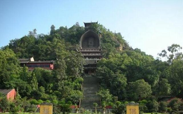 """中国的小都市 被称为""""南方光城""""和""""千"""