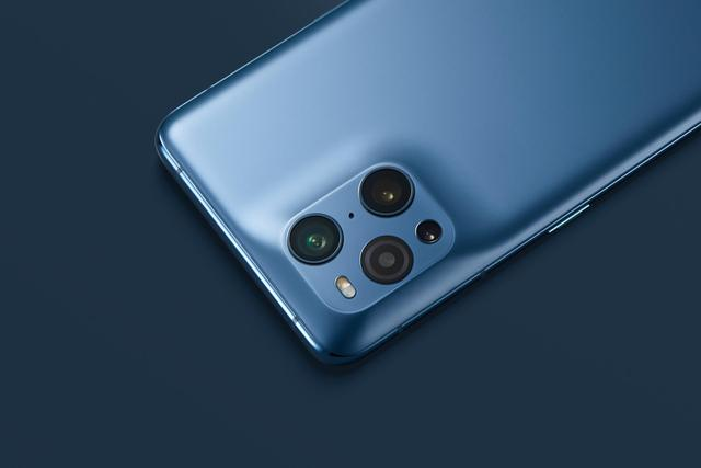 Find X3手机壳设计让第三方头大?绿厂一手神操作引发好评