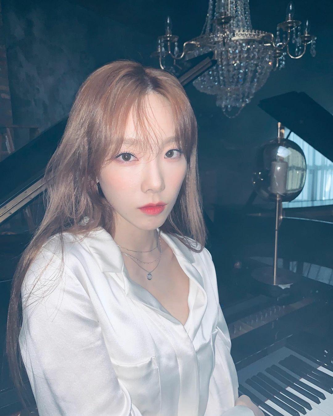 金泰妍INS公开近况 展现清纯性感的魅力