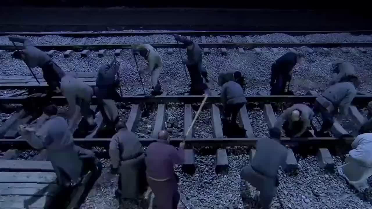 飞虎队:撬铁轨难不住鬼子,飞虎队灵机一动,鬼子气得抱头大叫