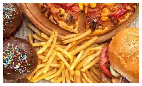 英政府拟禁止线上投放快餐广告 以应对国民肥胖问题