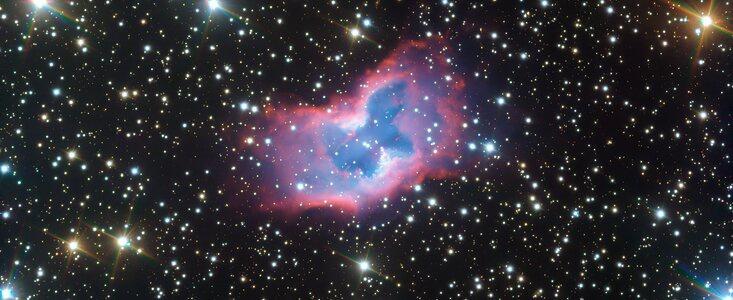 太空蝴蝶罕见现身 欧洲南方天文台望远镜捕捉到惊人的太空蝴蝶