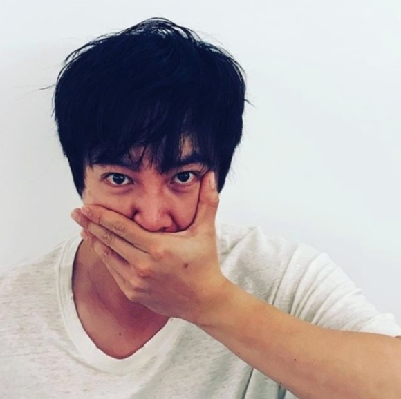 """张根硕公开近况照 展示自己作为""""亚洲王子""""的魅力"""