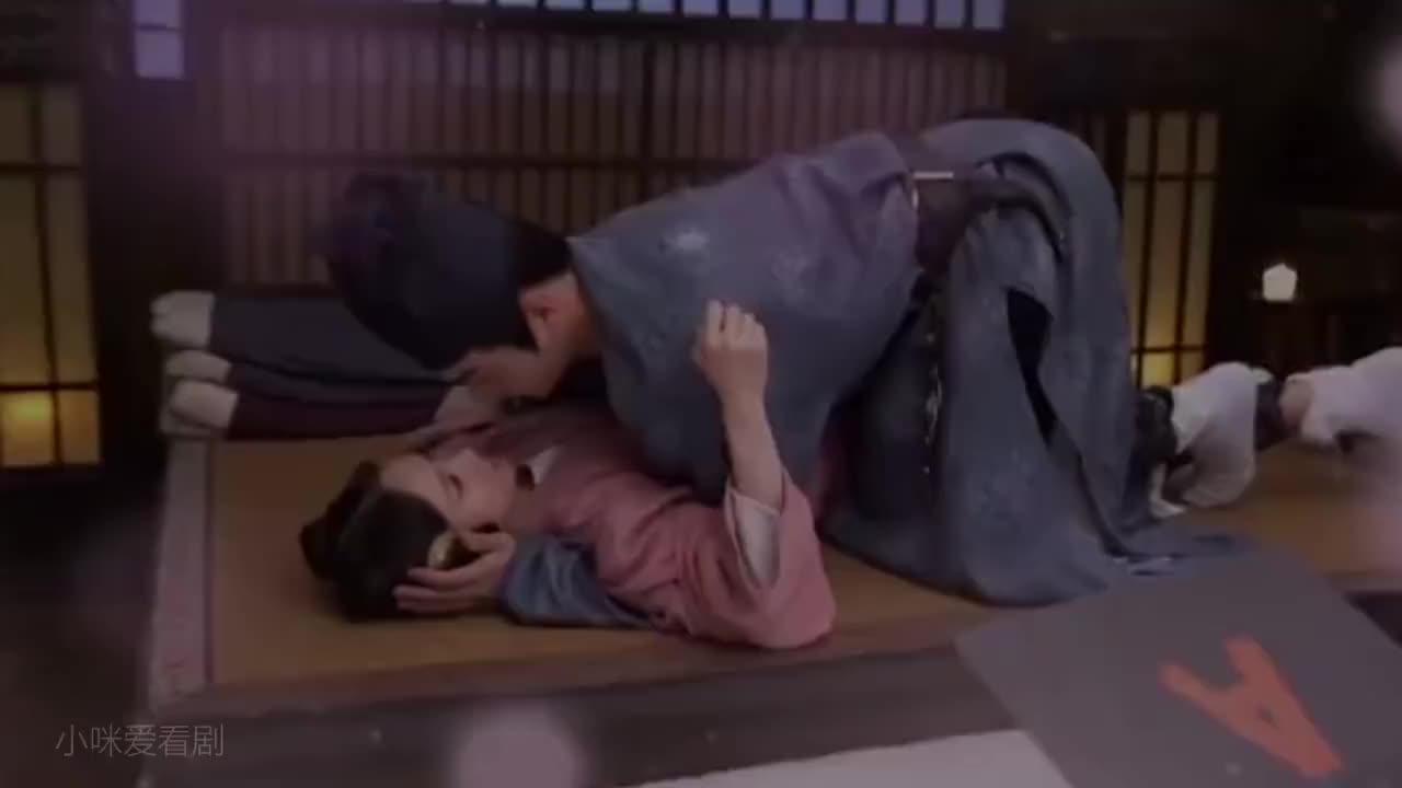 """停不下来的""""床咚吻""""~这也太甜了吧!"""