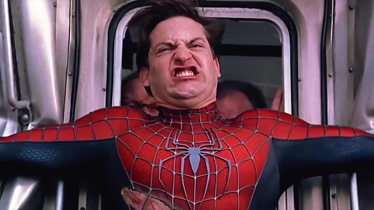 用身体阻止失控的列车,蜘蛛侠还是没能撑住