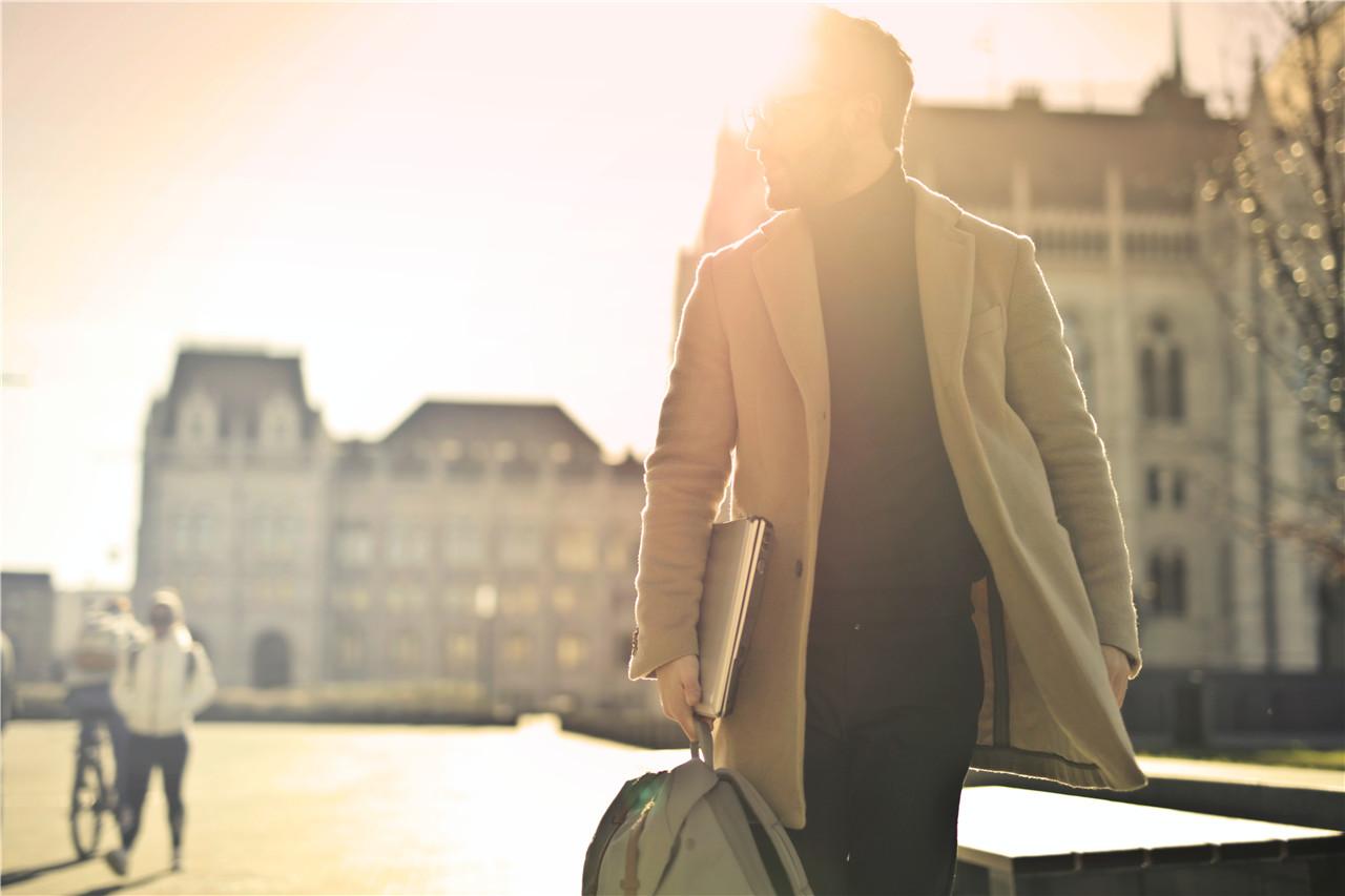 心理学:恋爱中,这6种男性最好不要选,女生碰到请及时止损