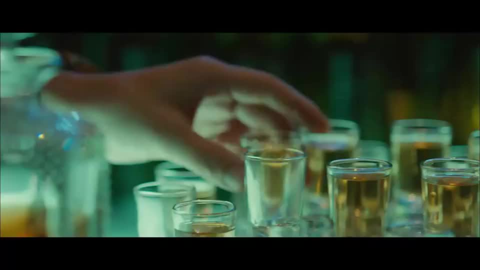 韩国小伙扮猪吃老虎,假装不会玩,其实他是夜店小王子!