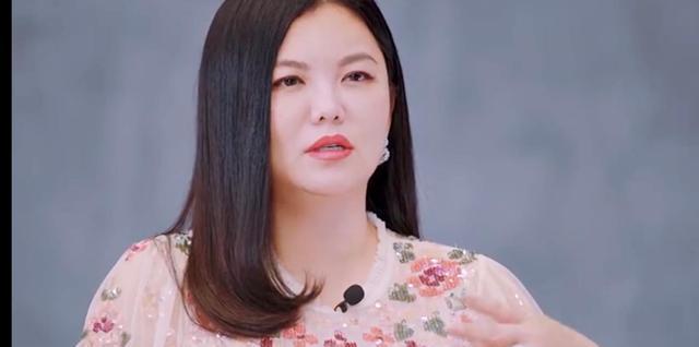 李湘录节目当众吐槽陈松伶太胖了!被怒怼回去!