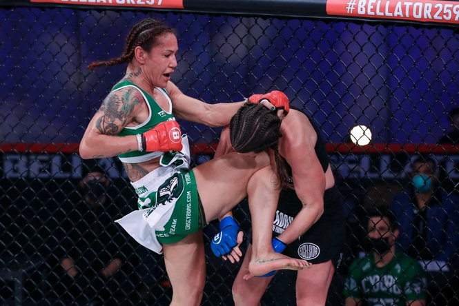 2021年5月22日Bellator 259期 – 直播[全程视频] Cyborg vs. Smith 2