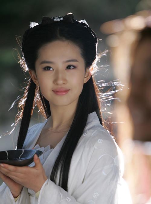 刘亦菲的小龙女,唐嫣的紫萱,李纯的司理理,宋妍的香妃,谁美