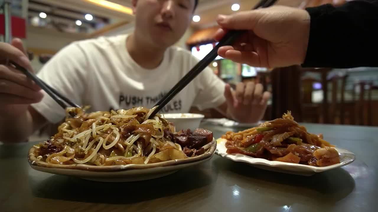 五一美食分享,郑州站,非物质文化遗产美食,葛记焖饼