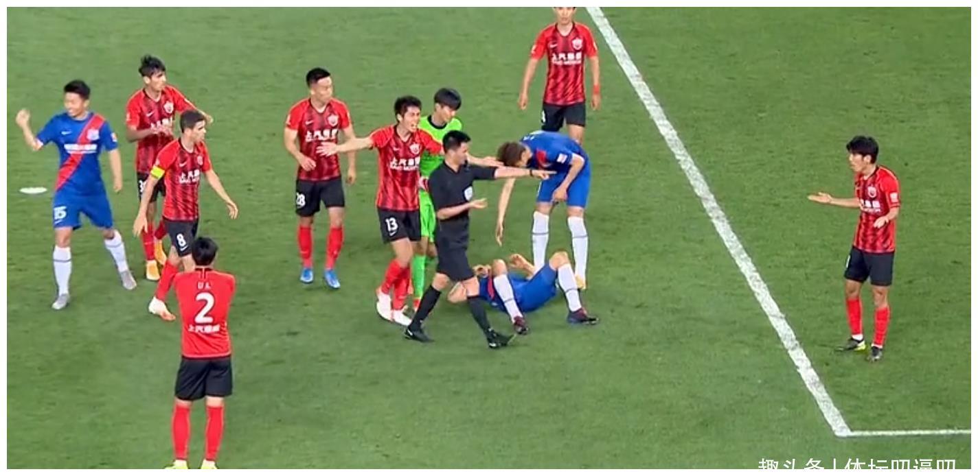 海港1-1申花,范志毅犀利点评,颜骏凌引热议,谁注意曾诚举动