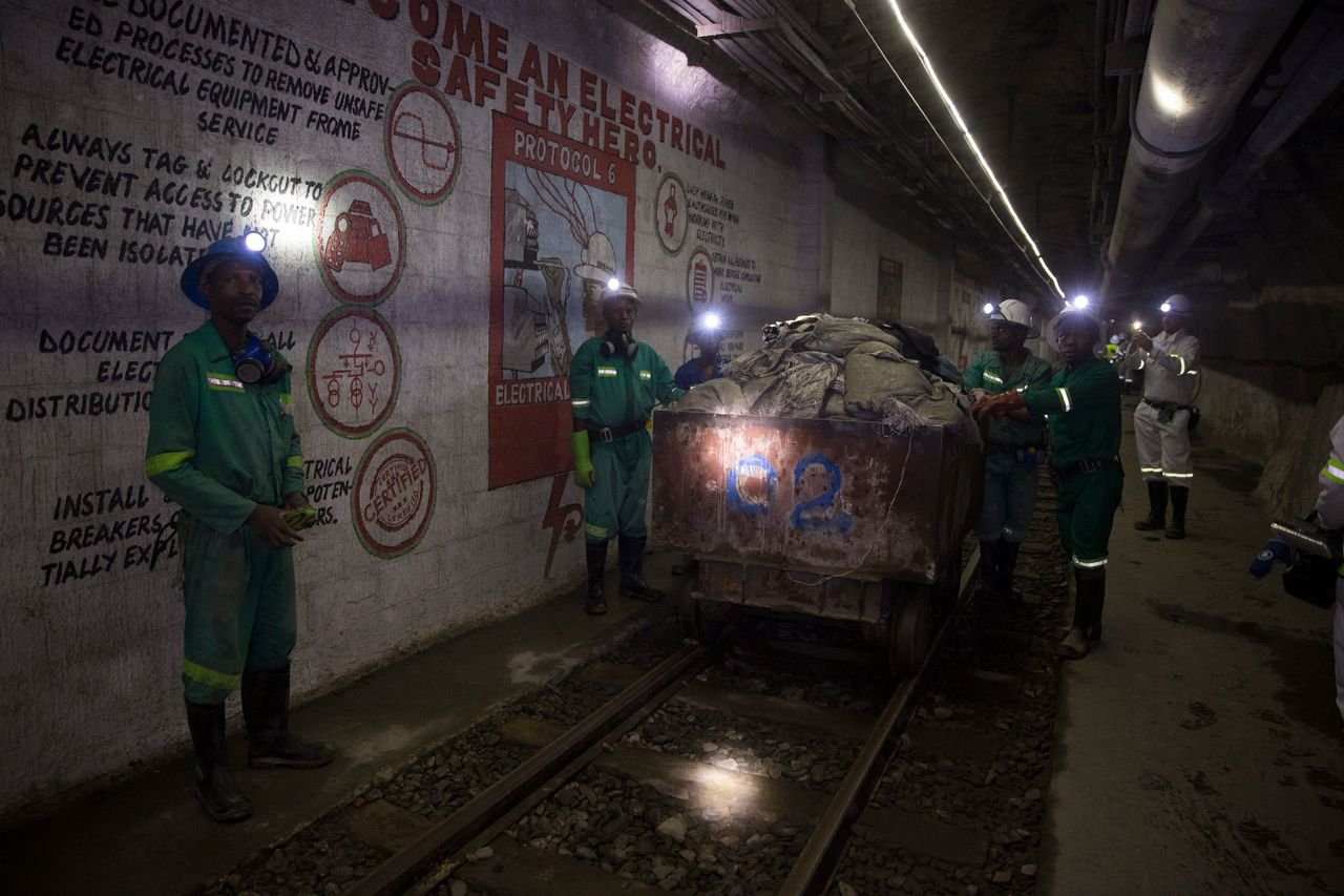 《【超越注册地址】华尔街:赞比亚背上巨债接管的铜矿企业可能会易手中国企业》