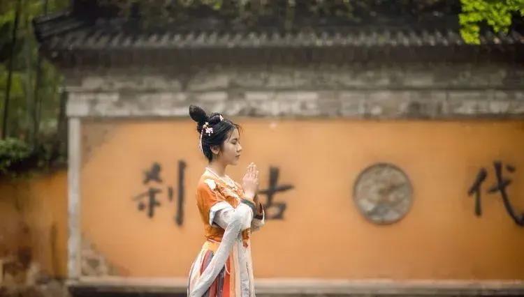 曼妙少女的天台山国清寺之旅