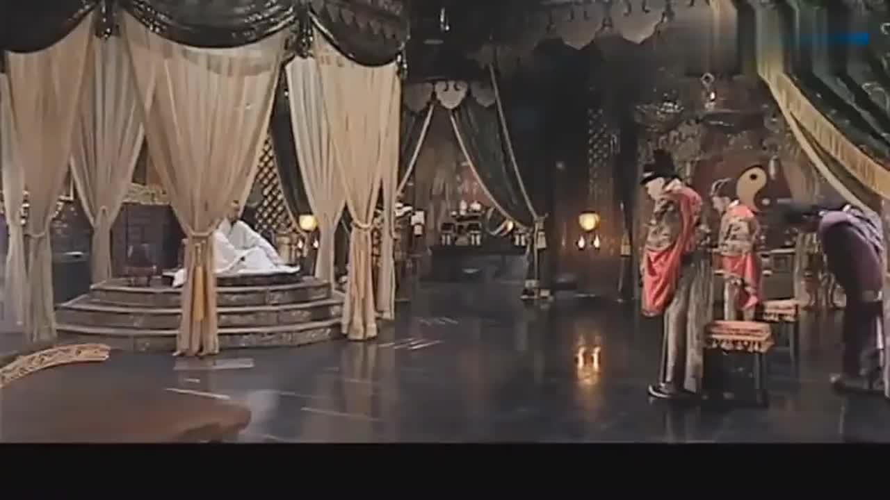 大明王朝1566:嘉靖器重严嵩,谈事都要赐座,凳子下面还有火炉