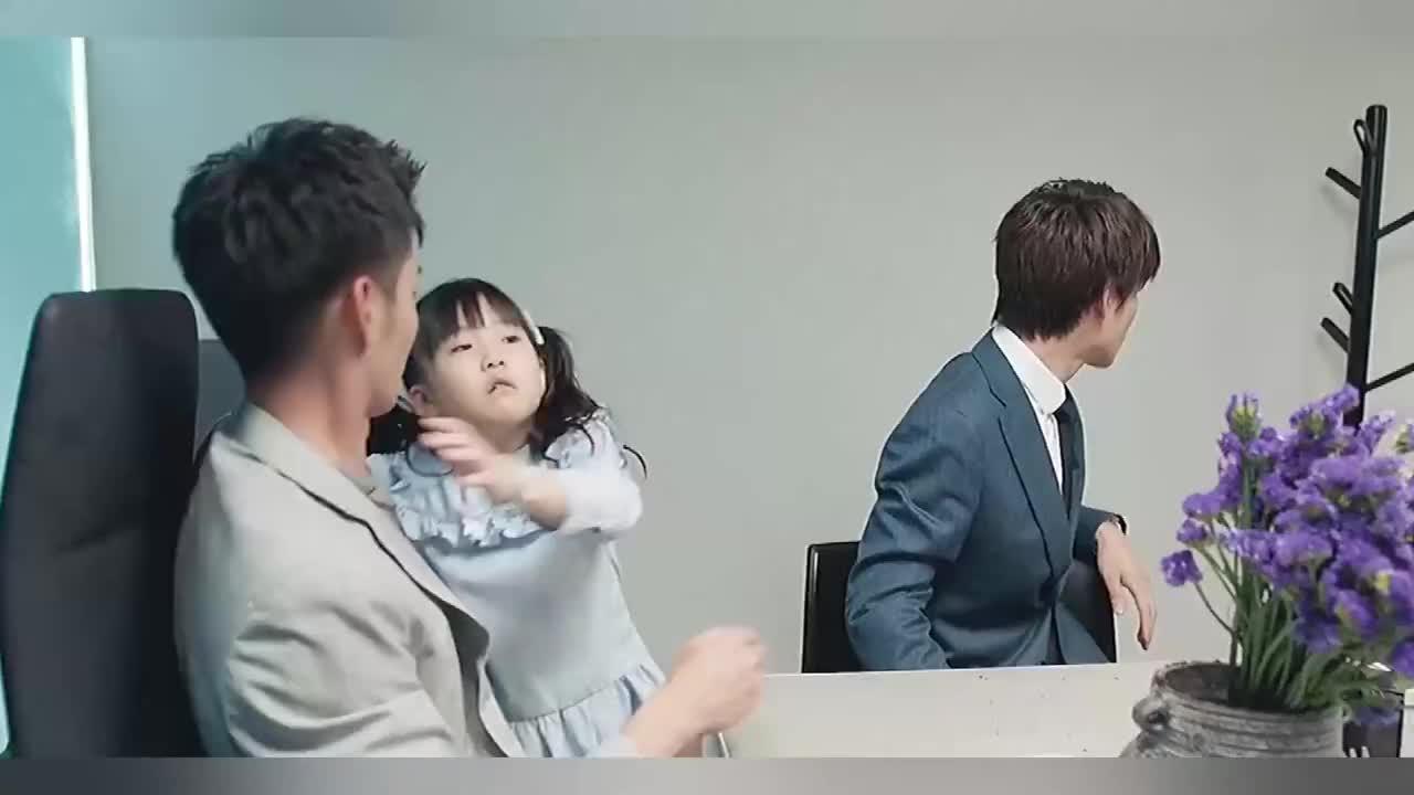 这么会哄女娃的爸爸遇到主动的女生却束手无策了