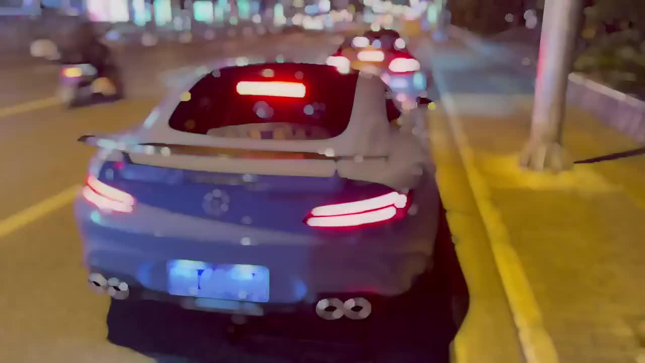 奔驰高性能AMG跑车,双边四出排气展现霸气,豪车