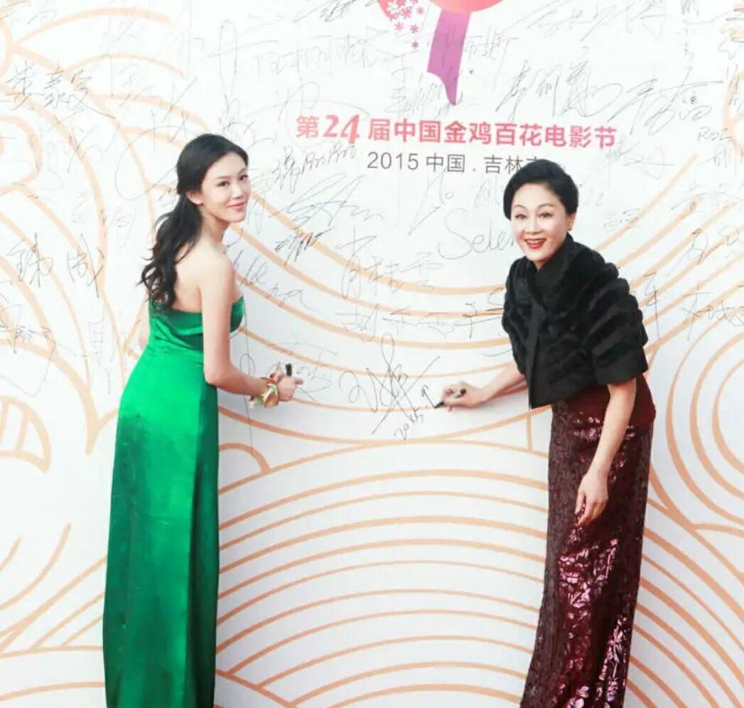 王姬为捧女参演《风暴舞》,可她女儿演的角色,观众都没认出来