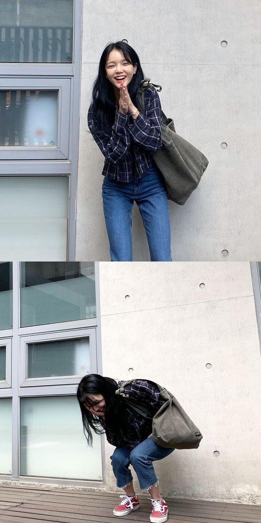 AOA申智珉黑发改变形象! ? 可爱笑容近况镜头公开