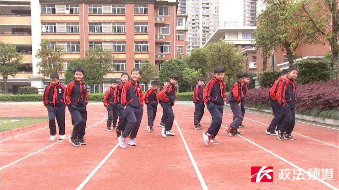长沙小学生街舞演绎《失恋阵线联盟》成功出圈,范儿可以C位出道