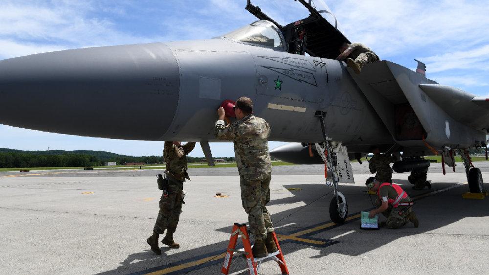 第104战斗机联队举行战备演习,更换F-15C的模拟爆胎