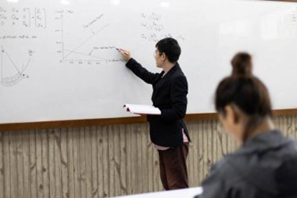 """兰大管理学院 获""""中国最具社会责任MBA""""特别大奖"""