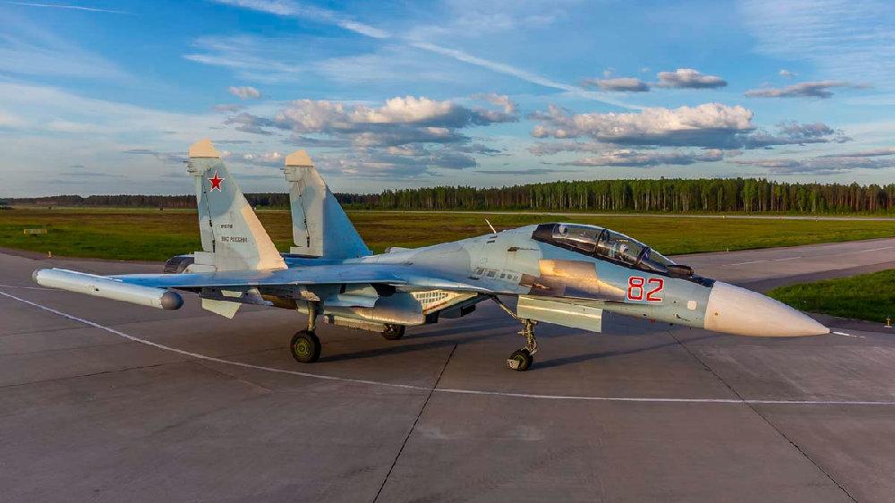 苏-35和米格-31战斗机的机组人员在特维尔地区进行了示范飞行